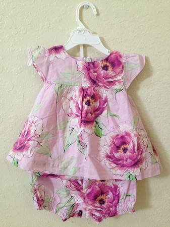 2 Baby Gap Little Girl Dresses 18-24 months - $20 (Stone Oak)