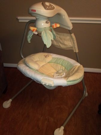 Fisher Price Papasan Cradle Swing Natures Touch - Like New - $60 - $60 (Bandera1604)