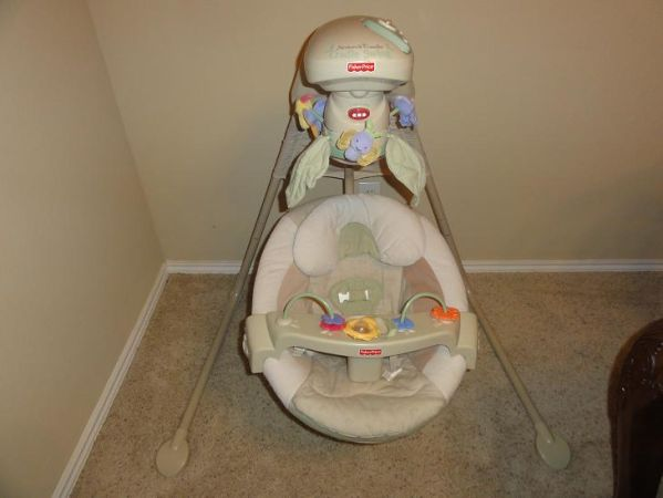 Fisher Price cradle swing Natures Touch - $30 (Braun 1604)
