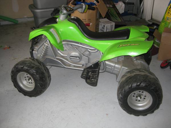 Power Wheels 4-Wheeler - $30 (1604  Potranco)