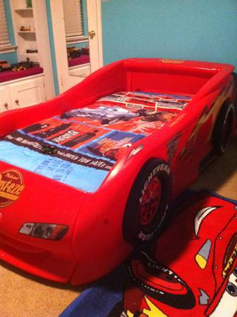 Lightning McQueen Sports Car Twin Bed - $450 (Sea World area)
