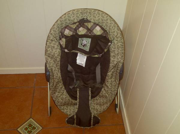 Strollers, carseat, baby girl clothes, bouncer - $1 (Windcrest)