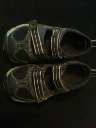 Little Boys shoes - size 8.5 - 3 pair - $10 (NW San Antonio Sea World area)