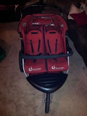 Double Jogging Stroller - $150 (Leon Valley)
