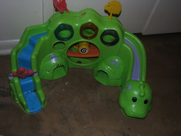 Fisher Price Roll-a-Rounds Drop  Roar Dinosaur - $20 (blanco410)
