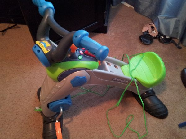Fisher Price Smart Cycle Racer with a game - $50 (SA)