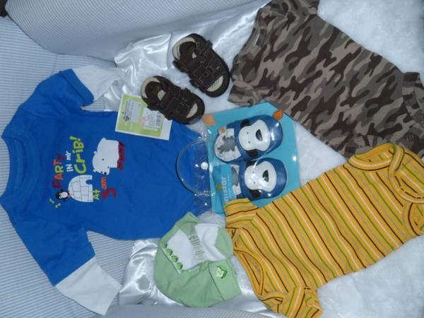 Preemie 0-3 Months Baby Boy Clothes Shoe New and Used (Seaworld)