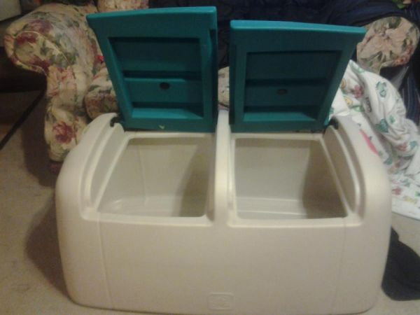 STEP 2 DOUBLE SIZE TOYBOX HUGE RARE - $85 (35 TOPPERWEIN)
