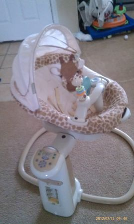 GRACO SWEET PEACE BABY SWING - $75