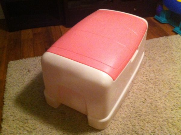 LITTLE TIKE GIANT TOY BOX - $45 (N. SAN ANTONIO)