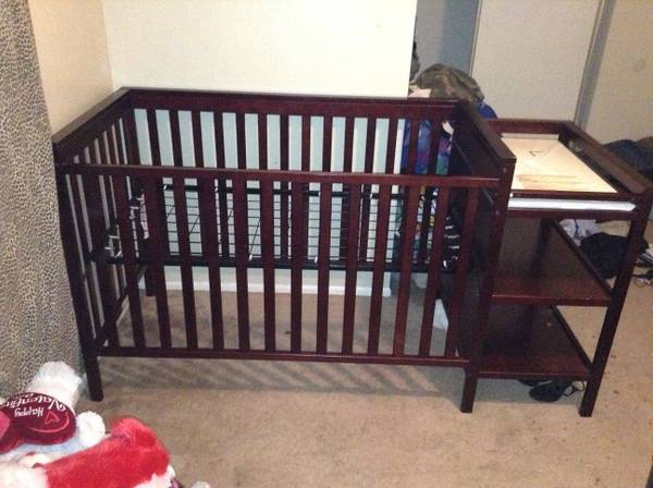 DARK CHERRY WOOD CRIB (NW)