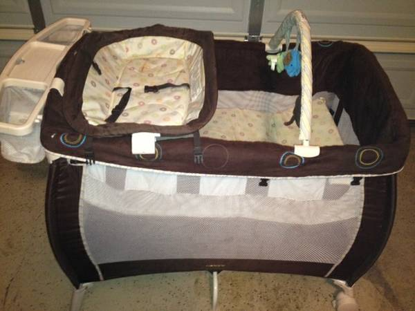 Playpen combo - $50 (410Harry Wurzbach)