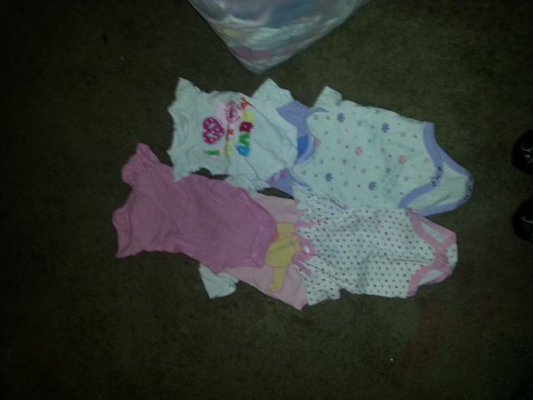 Variety of girl baby clothes from newborn to 12 months - $56 (west ave and blanco)