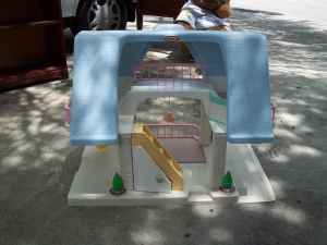 Vintage Little Tikes Dollhouse (New Braunfels, 78130)