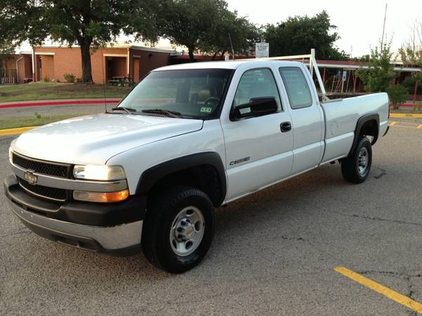 2002 Chevrolet Silverado 2500HD Ext Cab - only 110k miles - $1 (S. Austin)