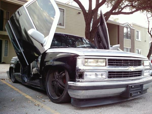 Bagged Truck on Black 22s - with Lambos - Daily Driver - $1 (SW - by Lackland)