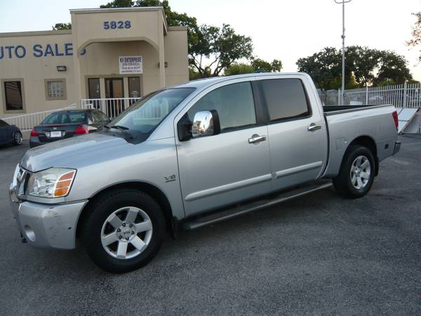 2004 NISSAN TITAN LE CREW CAB 4 DOOR LEATHER DVD - $6995 (5828 IH-10 West)