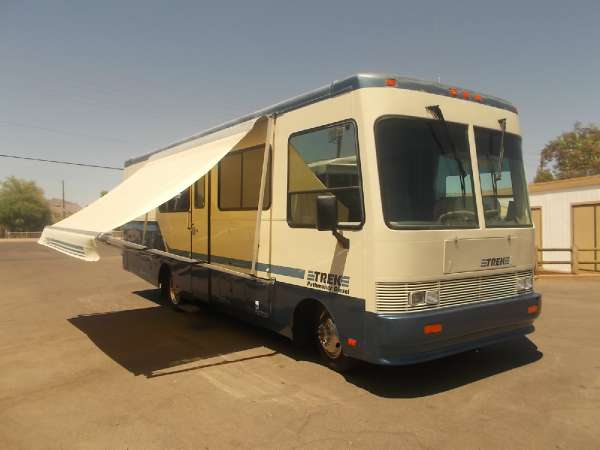 $17,900, Safari Trek Pathmaker 28.5 Ft Class A Diesel Very Nice Motor Home