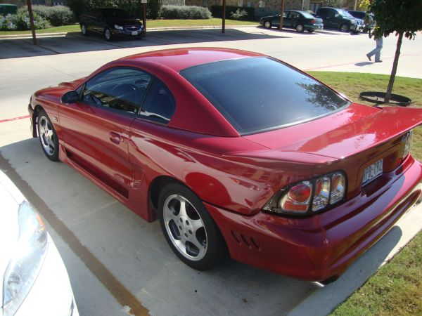 95 FORD MUSTANG (RED) - $3999 (BABCOCKDEZAVALA AREA)