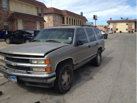 Parting  1999 chevy tahoe ,4x4 too many parts to list  (North east SA )