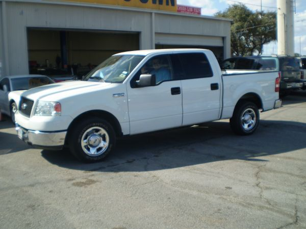 2005 FORD SUPER CREW 1500 XL-No Cr Ck-PAYMENTS - $430 (5696 IH 10 West)
