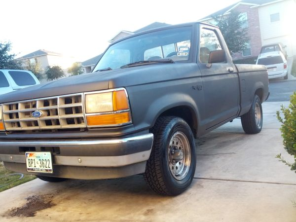 92 Ranger COLD AC Great MPG, 5Speed, 4cyl. 2wd - $2600 (San Antonio)