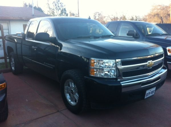 2009 Chevrolet Silverado 1500 4X4 Z71 EXT CAB 69K - ALL CREDITS - $23995 (San Antonio - South - FINANCING)