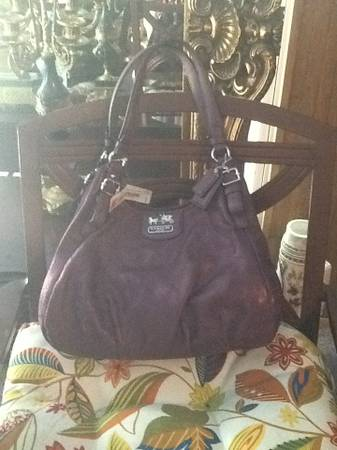 Purple coach purse nwt - $190 (Nw)
