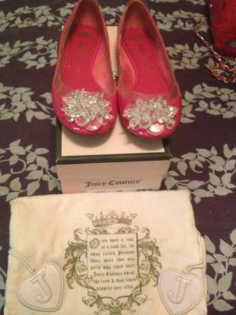 JUICY COUTURE FLATS - $25 (SE SA)