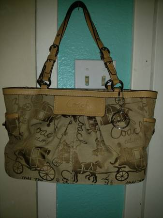 Auth Coach Gallery Tote Horse Carriage matching Wallet - $85 (NW area)