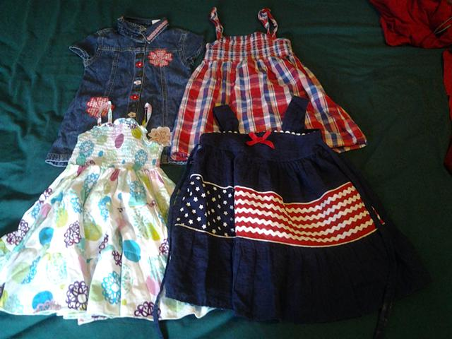 25  lot of toddler girls clothing 35 items 2t -3t contact  830256-5353