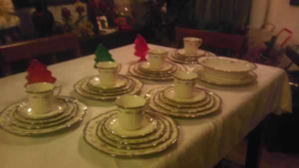 32 pc. Noritake Ivory China 7327 Traviata Plate SaucerCups - $100 (NE San antonio)
