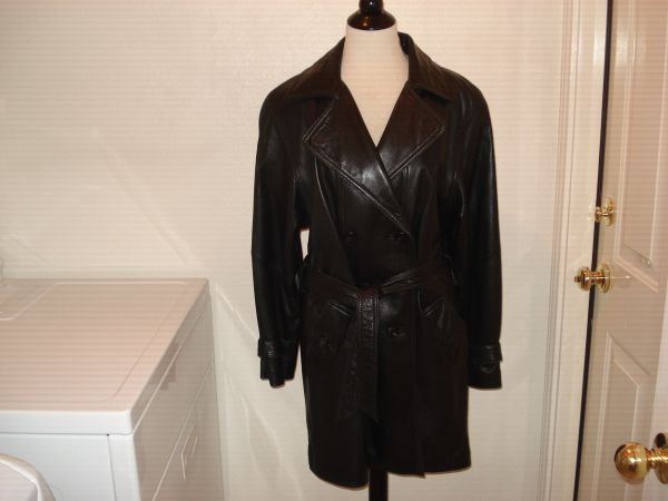 Leather Coat - Ladies - $50 (1604 Judson)