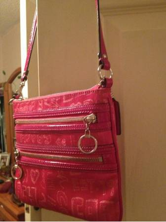 Pink coach crossbody - $70 (Nw)
