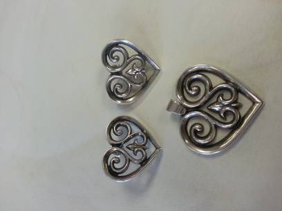 Retired 1988 French Heart Ear Posts James Avery - $100 (Southeast)