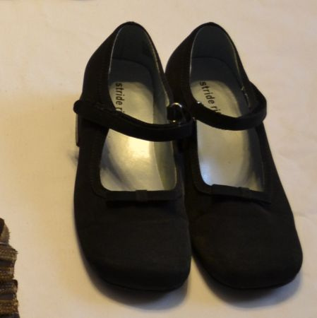 Little Girls stride rite dress shoes - $5 (NW San Antonio Sea World area)
