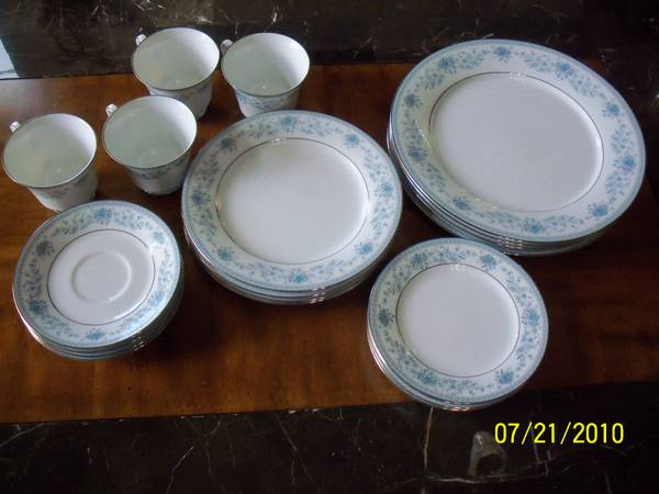 Contemporary Fine China by Noritake Sri Lanka Blue Hill 2482 - $100 (NW San Antonio)