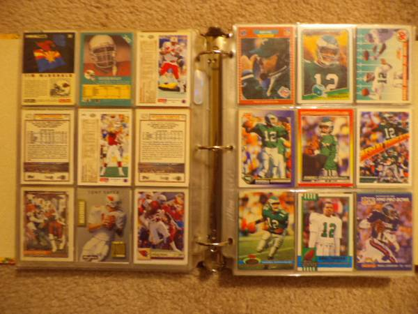 Over 800 Football Card Excellent condition (410Palo Alto. South Park Mall Area)