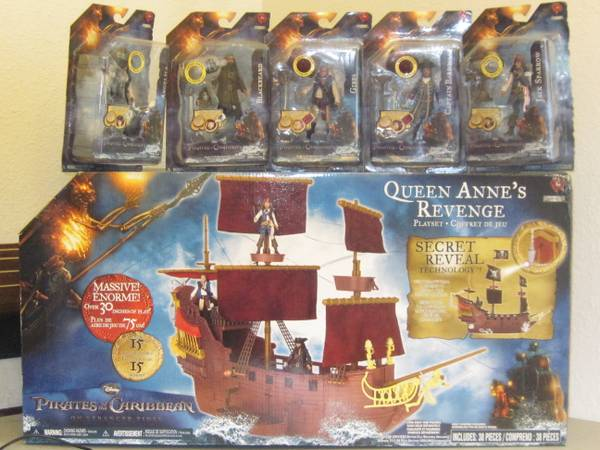 Disney Pirates of the Caribbean Ship - $150 (NW1604)
