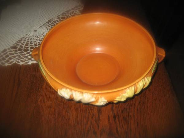 Large Roseville Console bowl -   x0024 50  north central