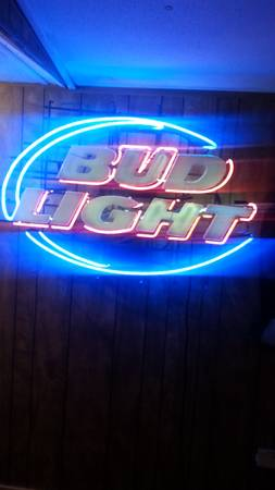 Huge vintage neon Bud Light sign an much more - $200 (NixonSan Antonio)