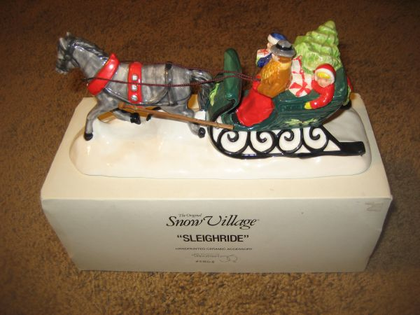 Dept. 56 Snow Village Sleighride 5160-8 RETIRED (North Central)