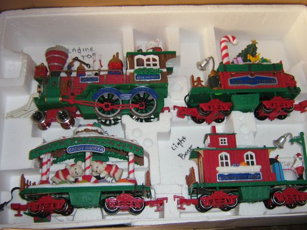 Complete Train Set New Bright Holiday Express - $30 (Near North Star Mall)