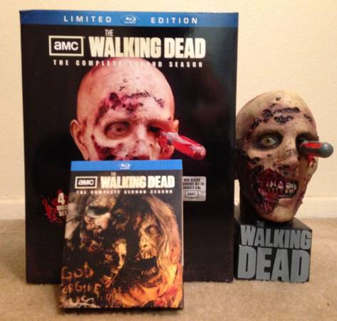 The Walking Dead Season 2 Limited Edition - $200 (Northside San Antonio)