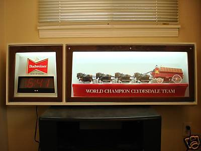 Vintage Budweiser Clydesdales lighted sign with clock - $350 (210 777 4839)