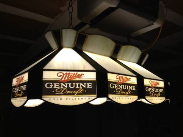 Vintage ( POOL TABLE LIGHT ) miller genuine draft - $125 (( Tiffany style ))