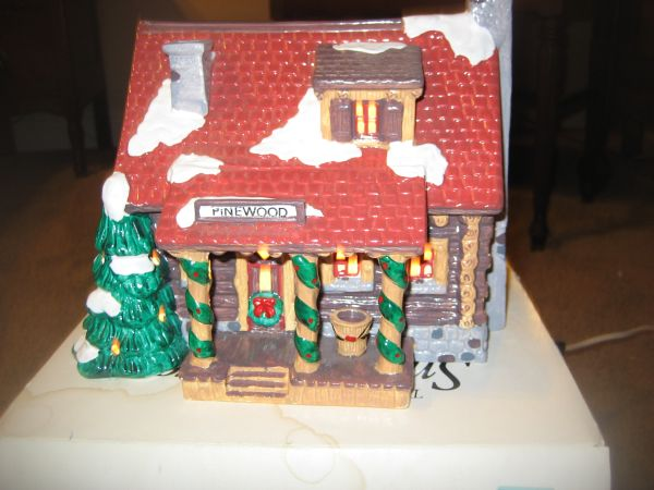 Dept 56 SNOW VILLAGE PINEWOOD LOG CABIN (North Central)