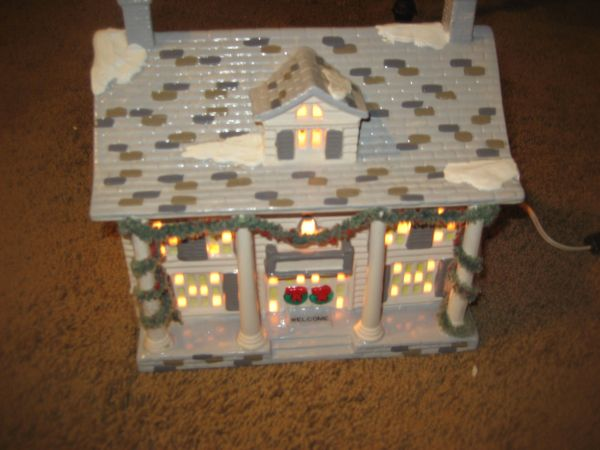 Dept 56 Cumberland House Snow Village 50245 Introduced in 1987, Ret (North Central)