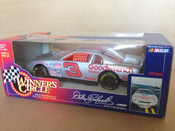 Dale Earnhard Silver GM Goodwrench 124 scale Nascar Diecast - $15 (NW San Antonio Crossroads Mall)