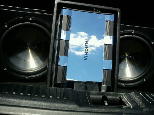 2 12in insignia subwoofers w box and - $400 (converse, tx)